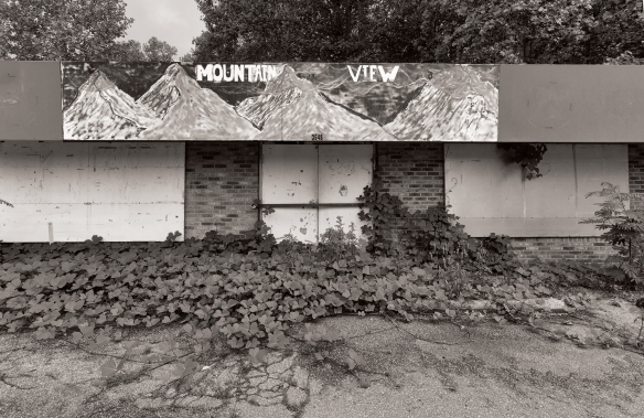 Mountain Viewgas stationabandoned927