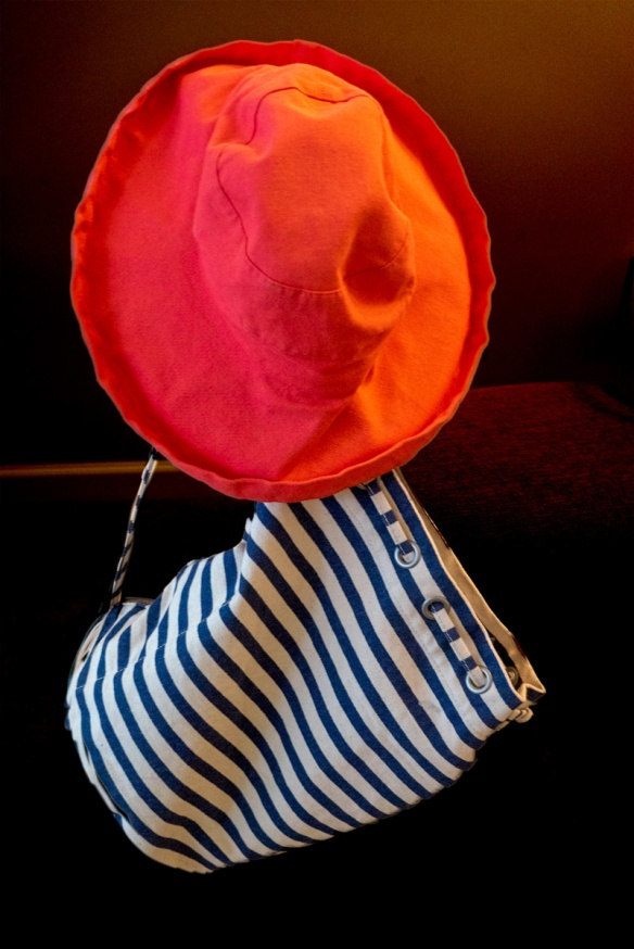 201909213702Alice'shatstriped-bag.jpg