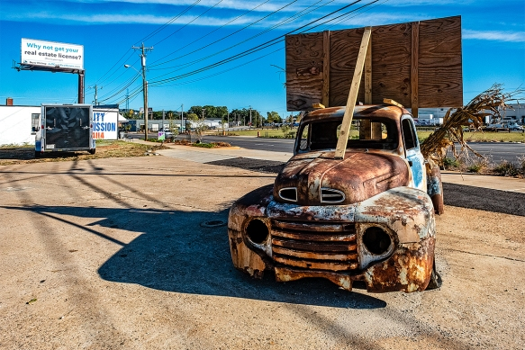 201910184862Poinsett Hwyscenesold truck and store