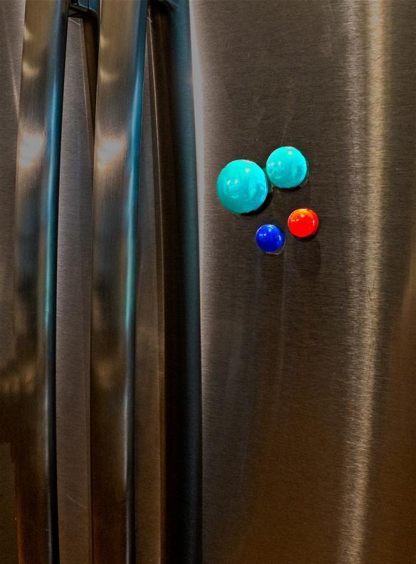 refrigerator dots_DSC8714